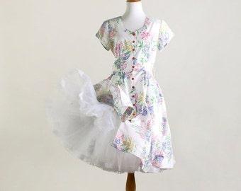 ON SALE Vintage Floral Dress - White Linen 1980s in a 1950s Style Shirtwaist Dress - Medium