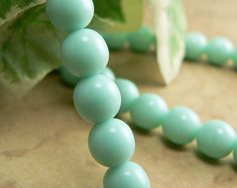 Opaque Mint Green Czech Glass Beads Round Druk 6mm (30)