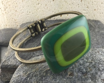 Green Cuff Bracelet in Bullseye Design. Shades of Green. Fused Glass Jewelry. Modern Bracelet. Art Glass Jewelry. Gift for her.