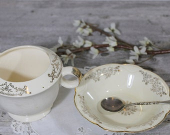 Lovely Sugar Bowl and Creamer, Shabby Chic, Off white, Elegant Gold Dishes, Homer Laughlin