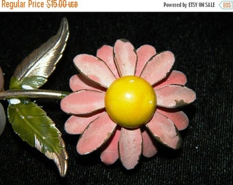 ON SALE 1960's Flower Jewelry Pin Retro, Pastel Pink & Yellow Daisy Flower Pin, Brooch, Pretty in Pink, Spring Time Pink