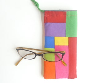 patchwork glasses bag. rainbow red pink patchwork sunglasses drawstring pouch. padded glasses case