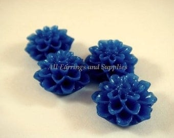SALE - 10 Blue Cabochon Flower Beads Resin Bead Dahlia Royal Blue, 15mm - No Holes - 10 pc - CA2016-B10