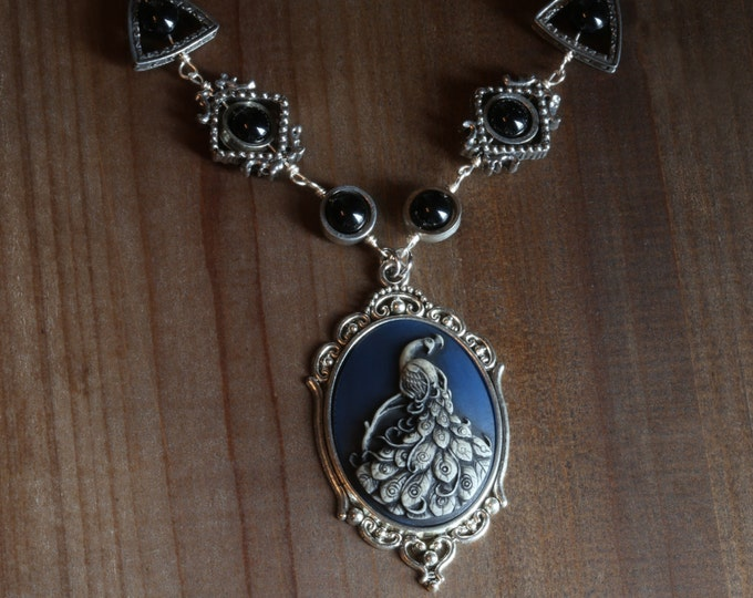 Jewelry - Necklace - Peacock Cameo
