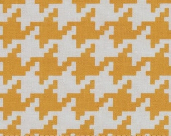 Michael Miller Everyday Houndstooth Mango - Cotton Quilting Fabric  - fat 1/4 remnant