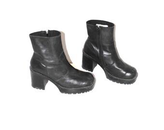 90s lug sole platforms black leather vintage GOTH club kid zip up platform boots size 10.5