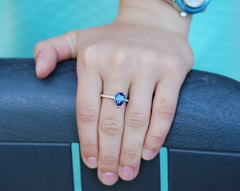 Blue sapphire ring. Pear cut Sapphire Ring 3.2ct. 14k Rose Gold Diamond ring Pear Sapphire Ring.