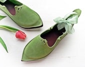 Pointy toe shoes, PRICKLE, Handmade Leather Shoes by Fairysteps in Woodland greens