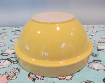 "Vintage Stoneware Mixing Bowl Yellow Ware 31-30 - 8.5"" diameter - Shabby Cottage Farmhouse Kitchen"