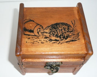 Pine music box with Hedge Hog