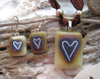 Reactive glass and fine silver PENDANT & EARRING SET ~Fused Glass heart~