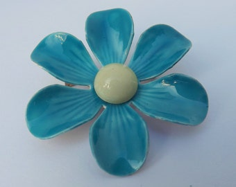 Vintage mod enamel flower pin or brooch blue and mint or seafoam green gold tone