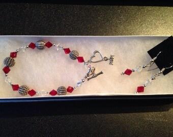 Swarovski crystal bracelet with Mom charm set