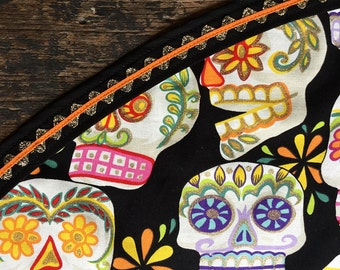 Day of the Dead Tablecloth Mexican Sugar Skulls Black and Orange Sparkling