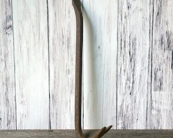 Pry Bar Crow Bar Rusty Tools farm tools Rustic Decor Farmhouse Decor Vintage Tools