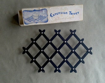 Vintage Metal Trivet Accordion Extention Style Industrial Black in Original Box Table Protector