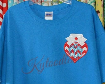 Nurse T-Shirt with Chevron Heart Applique & Monogram. Short Sleeve shirt in Gray or Aqua. Other color shirts and fabrics available.