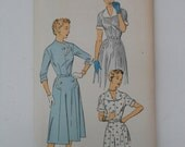 Vintage 50s Scalloped Button Closing Dress Pattern New York 1551 Size 18 Bust 36 UNCUT