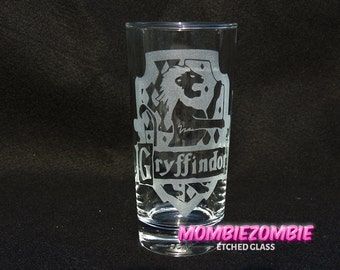 Harry Potter - Gryffindor  Etched glasses House Pride