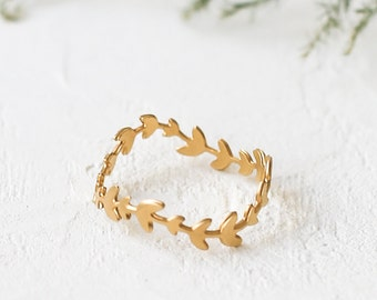 Evergreen Ring, Leaf Band, Leaves Rings, Dainty Gold Plated Ring, Delicate Ring, Stack Ring, Wavy Ring, Gold Plated Summer Ring