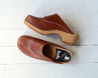 Bondsk clogs | vintage Swedish clogs | brown leather clogs 7-7.5