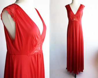 Vintage Woman's Red Maxi Nylon Size M/L Night Gown
