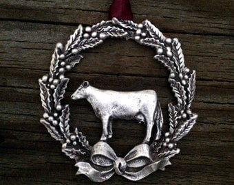 Christmas Wreath with Cow Pewter Ornament