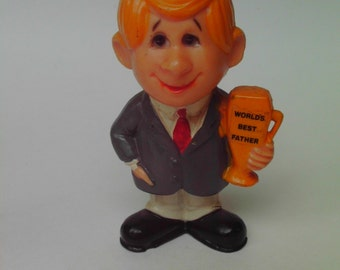 FATHER's DAY Vintage 70s Worlds Best Father Figurine Kitshcy Collectible Berries