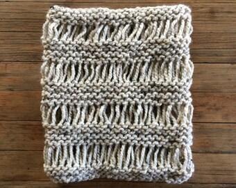 LICENSED Drop Stitch Cowl Pattern