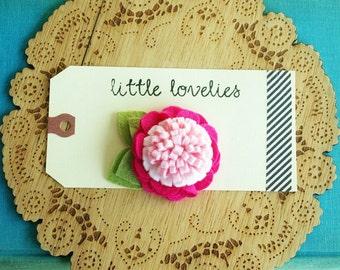 Felt pom pom flower hair clip | Pinks