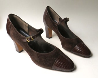 60s/70s vintage Dark Brown Suede and Reptile Embossed Leather Mary Jane Pumps / Air Step Brown Suede and Leather Pumps
