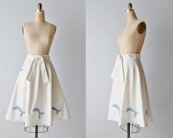 Vintage Wrap Skirt / 1980s Wrap Skirt / Wrap Around Skirt / White Skirt / Dolphin Appliques
