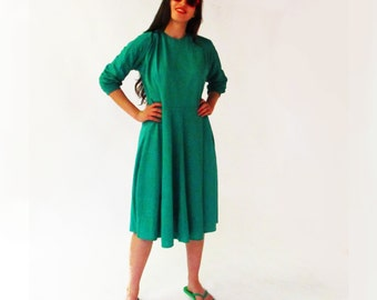 Green loose dress with lower waistline, long sleeve dress, large dress, stretchy fabric, loose dress in trendy green, L