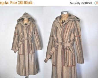 SALE 1970s Wool HOOD Coat Jacket / swing princess / S-M
