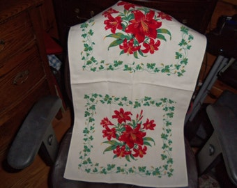 Vintage Runner Kitchen Towel Wildendur Red lillies ex lilly chic Cottage