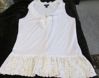 Upcycled white summer top tunic refashion vintage lace artsy ladies L to XL