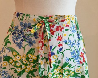 1970s Drawstring Floral Skirt - Kitschy Casual Skirt - Summer Spring Skirt - Pintucked - Flirty and Fun, Fresh and Cute - Up to 31 Waist