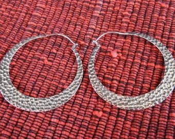 Balinese Creolen Sterling Silver Hoop Earrings / silver 925 / Bali Hammered Jewelry / 1.35 inch / (#549E)