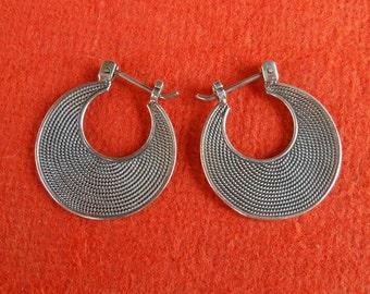 Balinese 0.75 inch Silver sterling Hoop Earrings Style / silver 925 / Bali Handmade Jewelry / (#11K)
