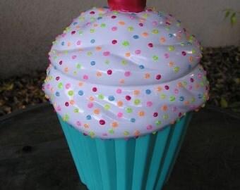 Rainbow 3-D Marshmellow Sparkling Candy Dots Cupcake Jar