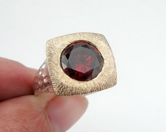 Garnet Ring, 925 Silver 9K Yellow Gold Red Garnet Ring, Gift for her, Solitaire Ring, Red Stone, Ring Size 9.5  , Free Shipping, Square Ring