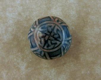 20, 12mm Celtic Knot Raku porcelain beads