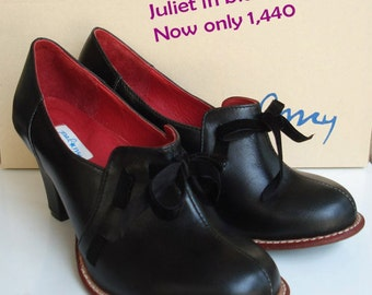 Juliet in black