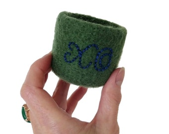 Felt Bowl Felted Ring Dish Embroidered XO Hugs & Kisses Green Wool Knitted Container Embroidery Teen Girl Sweetheart Best Friend Gift Idea