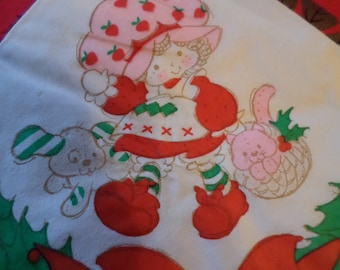 1981 Strawberry Shortcake Large Christmas Dinner Napkins,  Set of 19, American Greetings, Kitchen Decor, Collectibles, 1980's, Set Prop