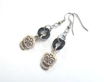 Sugar skull earrings, Day of the Dead jewelry, Dia de los Muertos, Chainmaille, Black and silver earrings
