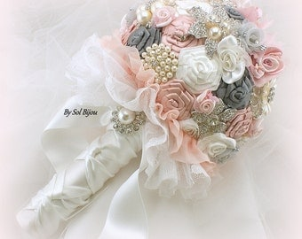 Brooch Bouquet, White, Silver, Blush, Pink, Weddin Bouquet, Vintage Wedding, Lace Bouquet, Gatsby, Jeweled, Vinage Style, Elegant, Pearls