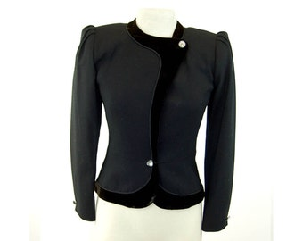 1980s blazer wool crepe tailored jacket 80s does 40s fitted blazer Richard Assalty Size S/M