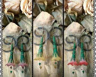 Vintage Lucite Trumpet Flower Earrings