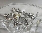 FALL SALE Vintage Rhinestone Pearl Brooch. Silver Tone. Sparkling Clear Rhinestone and Faux Pearls